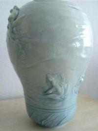 Exceptionnel vase en porcelaine de Sèvres