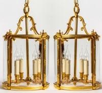 Paire de lanternes de style Louis XVI. Bronze doré. XIXéme siècle.