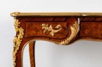 Bureau de style Louis XV. XIXème siècle.