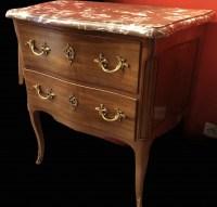 Commode petite sauteuse deux tiroirs en acajou 18è siècle