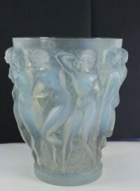 """René Lalique Vase """"Bacchantes"""" Opalescent"""