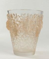 RENE LALIQUE (1860-1945)  Vase  'SILENES'