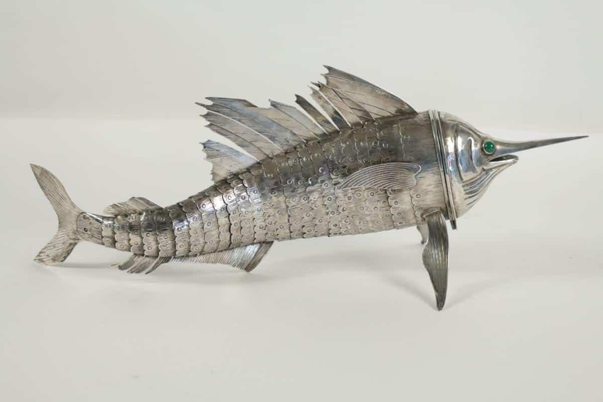 Le march biron poisson espadon argent massif articul for Poisson yeux miroir