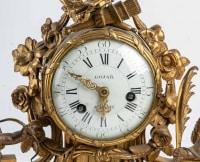 Pendule en bronze fin XVIIIème / Début XIXème
