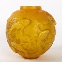 René LALIQUE (1860 - 1945) Vase FORMOSE Butterscotch