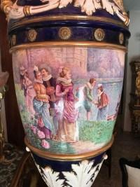 Grand vase de sèvres, anses en porcelaine, signé, Lucot. Ref: 305.