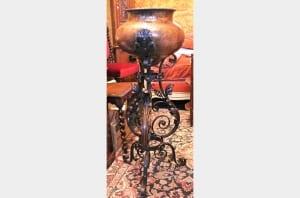 Cache-pot fin XIXème en cuivre et fer forgé