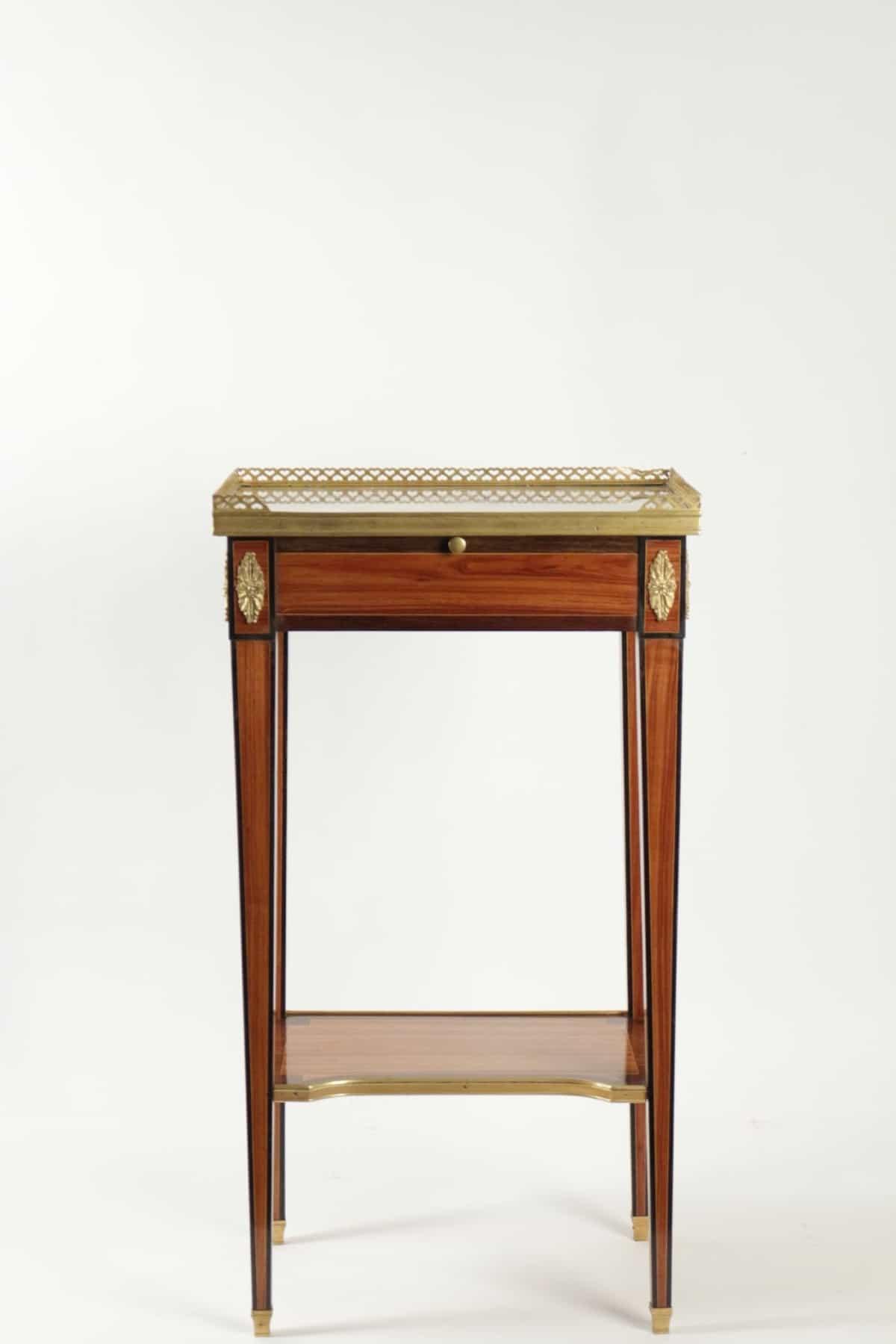 le march biron petite table louis xvi marbre bronze. Black Bedroom Furniture Sets. Home Design Ideas