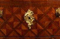 Commode 18e siècle en marqueterie estampillée DOIRAT