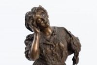 """Bronze """"La Cantatrice"""" de PARENTE 20e siècle"""