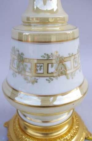 Paire de lampes en porcelaine de Paris circa 1880