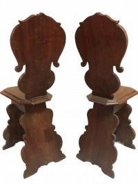 Paire d'escabelles ( possibilité de 4 ) en bois sculpté dans le goût de la Renaissance