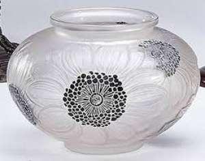 """René LALIQUE (1860-1945). - Vase """"Dahlias"""" (1923)..."""