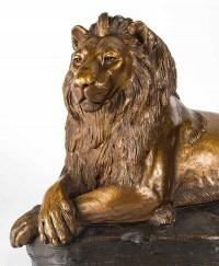 Lion couché en terre cuite, XIXème