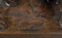 Lionne signée par  J. Dupon