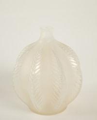 """René LALIQUE (1860-1945) Vase """"Malines"""" Opalescent"""