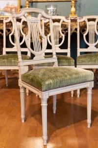 Série de 12 chaises de style Louis XVI. XIXème