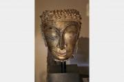 Tête de Bouddha en Grès, Stuc et Dorure