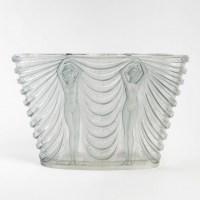 """Vase """"Terpsichore"""" verre blanc patiné bleu de René LALIQUE"""