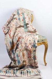 Grand plaid de haute qualité 100% Lin fabriqué en Italie. Taille 270x280 cm Idéal en couvre lit, jeté de canapé, rideaux d'intérieurs, nappe.   Coussins de haute qualité, 100% Lin, fabriqué en Italie. Tailles: 55x55 cm ou 40x60 cm   Les intérieurs sont disponibles à la vente. Les plaids et coussins peuvent être vendus séparément.