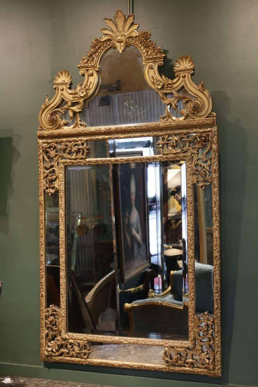 le march biron grand miroir de style regence. Black Bedroom Furniture Sets. Home Design Ideas