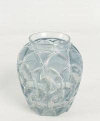 """René Lalique  Vase """"Chamois """""""