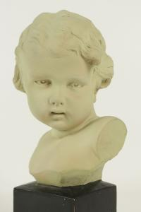Buste d'enfant en terre cuite, début XXème siècle, signé de GOBET.