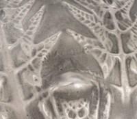 """Vase """"Fougères"""" verre blanc patiné gris de René LALIQUE"""