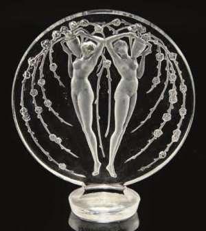 RENE LALIQUE (1860-1945) Cachet 2 figurines et fleurs