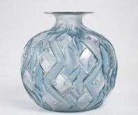 """René LALIQUE -  Vase """"Penthièvre"""" -  1928"""