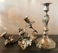 Paire de candélabres à 3 bras de lumières en bronze argenté. Réf: Charles 19.