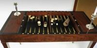 Exposition Un Marchand, Un Artiste - La Galerie MLD ANTIQUITÉS présente une table Tric-Trac époque Directoire