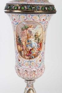 Gobelet couvert en argent massif et émail Vienne 19e siècle
