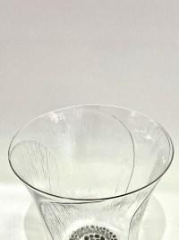 """Suite de 12 Gobelets """"Pavot"""" verre blanc émaillé noir d'origine de René LALIQUE"""