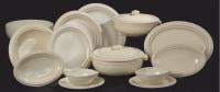 JEAN LUCE (1895-1964)  Partie de service en céramique