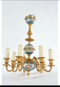 Des Chérubins au plafond!-Délicieux petit lustre en bronze doré et porcelaine dans le goût de Sèvres.XIXe.