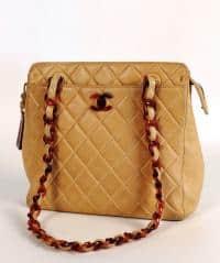 CHANEL purse