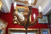 Lustre en bois sculpté et doré à l'huile du XIXème siècle