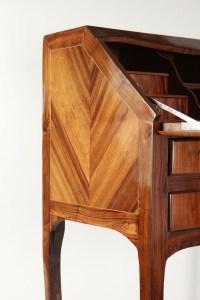 Bureau de pente, style Louis XV