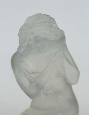 """RENE LALIQUE (1860-1945) Mascotte """"Naiade"""" opalescente"""