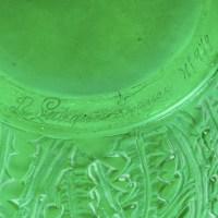 """Vase """"Domrémy"""" verre vert émeraude patiné blanc de René LALIQUE"""