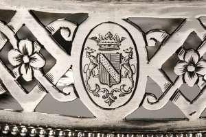 ORFEVRE: HUGO - DEUX DESSOUS DE BOUTEILLE EN ARGENT, XIXEME