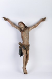 Christ en bois polychrome.