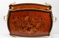 Table à thé de style Louis XV fin 19eme siècle Napoléon III