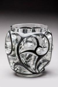 """René LALIQUE Vase """"Tourbillons"""" émaillé noir dit aussi """"Volutes en relief"""""""