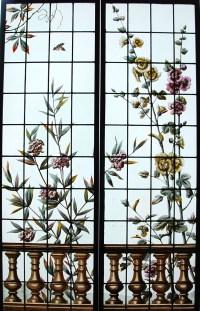 Paire de vitraux aux lauriers