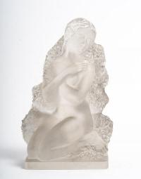 """Surtout de table, statuettes """"Quatre Saisons"""" Lalique."""