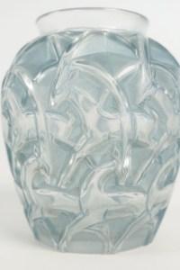 """René Lalique(1860-1945) Vase""""Chamois"""