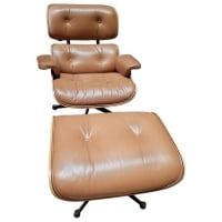 Charles et Ray Eames & Mobilier International Lounge Chair and Ottoman