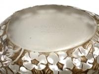 Boite « Pervenches » verre blanc patiné sépia de René LALIQUE